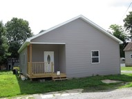 1109 Benton Johnston City IL, 62951