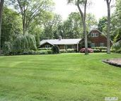 32 Redwood Dr Great River NY, 11739