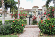393 2nd Ave  S 5 Naples FL, 34102