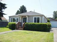 388 S 35th St Springfield OR, 97478