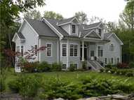 35 Windswept Ln Storrs Mansfield CT, 06268