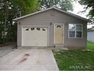 712 Park Street South Roxana IL, 62087
