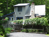 6039 Decker Road Bushkill PA, 18324