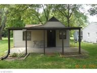 2256 West River Newton Falls OH, 44444