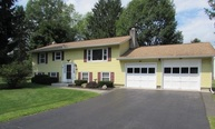 2 Manchester Dr Clifton Park NY, 12065