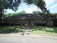 929 Pine Tree Lane Desoto TX, 75115