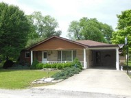 222 W 10th St. Saint Elmo IL, 62458