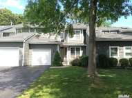 15 Madder Lake Cir Commack NY, 11725