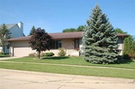 124 13th Ave Ne Oelwein IA, 50662