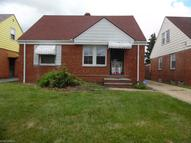 18305 Waterbury Ave Maple Heights OH, 44137