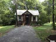 298 Pine Hollow Rd Oyster Bay NY, 11771