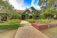 313 Limestone Creek Rd Hill Country Village TX, 78232
