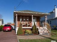 17 Willoughby Pl West Islip NY, 11795