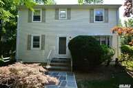 30 Rose Ave Great Neck NY, 11021