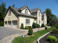 38 Oak Pond Lane Mahopac NY, 10541