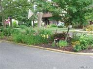 54 Summerfield Ct Deer Park NY, 11729