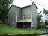 818 Th St Braddock PA, 15104