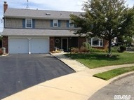 3 Clearwater Ln West Islip NY, 11795