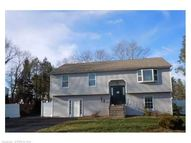 16 Cindy Ln Bloomfield CT, 06002