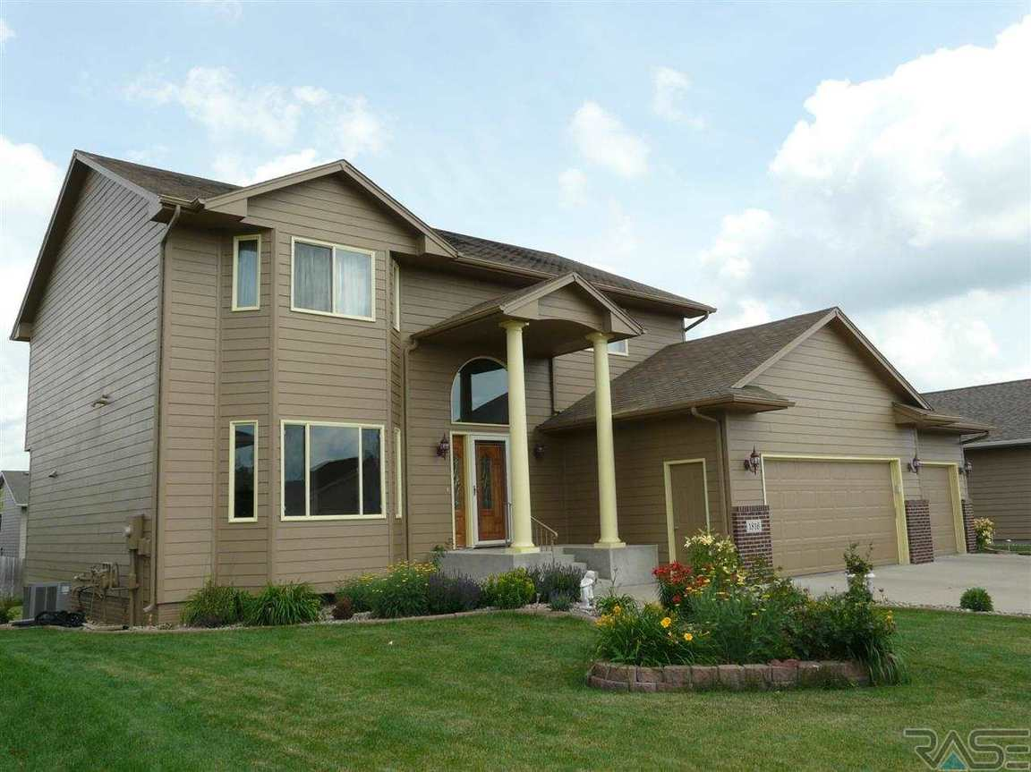 1816 S Kinderhook Ave Sioux Falls SD, 57106