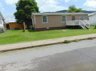 213 5th St Rainelle WV, 25962