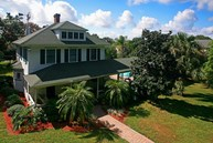 442 East 3rd Avenue Mount Dora FL, 32757