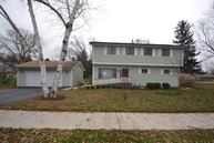 2441 West 62nd Street Downers Grove IL, 60516