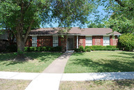 831 Fleming Trl Richardson TX, 75081