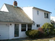 20 Wheelbarrow Ln Wantagh NY, 11793