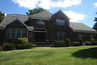 15 Stacey Ct Millington NJ, 07946