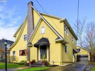 3927 Ne Hoyt St Portland OR, 97232