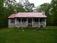204 Mohican Rd Canadensis PA, 18325