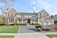 22 Glendale Lane Fairfield NJ, 07004
