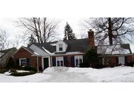 426 Colonial Court Grosse Pointe Farms MI, 48236