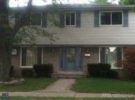 618 N Rosedale Ct Grosse Pointe Woods MI, 48236