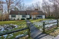 22 Laurel Ln Forestdale MA, 02644