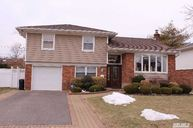 1508 Blue Spruce Ln Wantagh NY, 11793