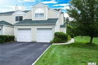 152 Farm House Ct Manorville NY, 11949