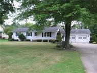 1226 Rutledge Rd Transfer PA, 16154