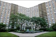 7033 North Kedzie Avenue 1608 Chicago IL, 60645
