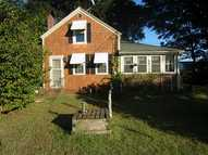 40 Grove Av North Kingstown RI, 02852