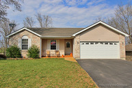 103 Red Berry Ln De Soto MO, 63020