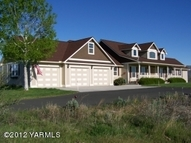 191 Songbird Way Yakima WA, 98908