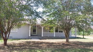 890 Magnolia Ave Luling TX, 78648