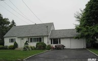 627 Empire Ave West Babylon NY, 11704