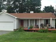 408 Peachers Ln Indian Mound TN, 37079