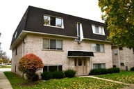 10002 Holly Lane - 2s Des Plaines IL, 60016
