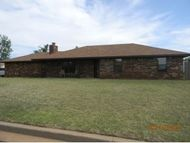 208 Maple Elk City OK, 73644