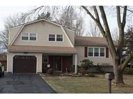 26 Matthew Ave Kendall Park NJ, 08824