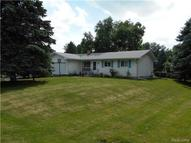 84 Meadowview Howell MI, 48843